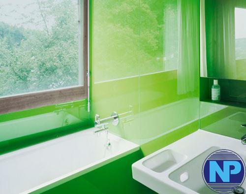 Kính màu trang trí cho phòng tắm