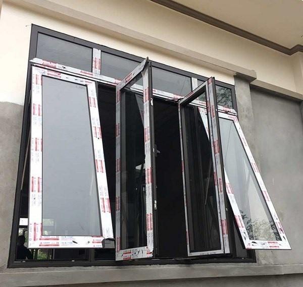 Mẫu cửa sổ mở quay kết hợp với mở hất nhôm Xingfa