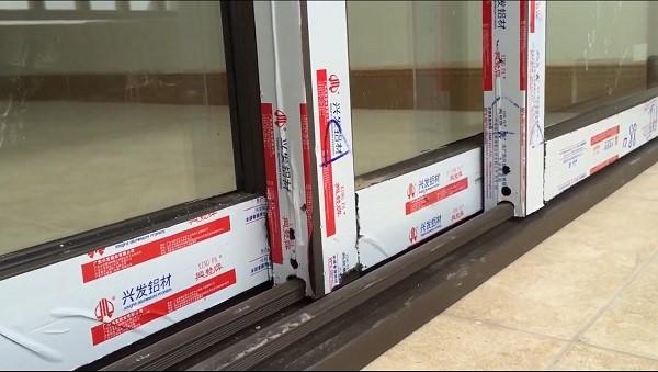 Mẫu cửa nhôm Xingfa nhập khẩu tem đỏ