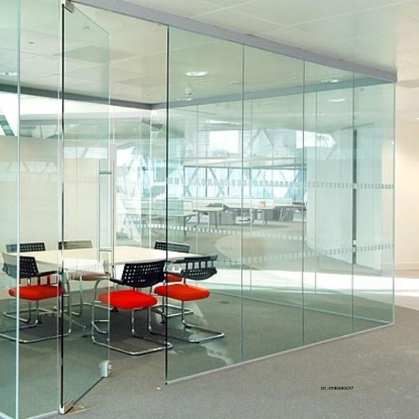 Mẫu cửa kính cường lực sử dụng cho phòng họp