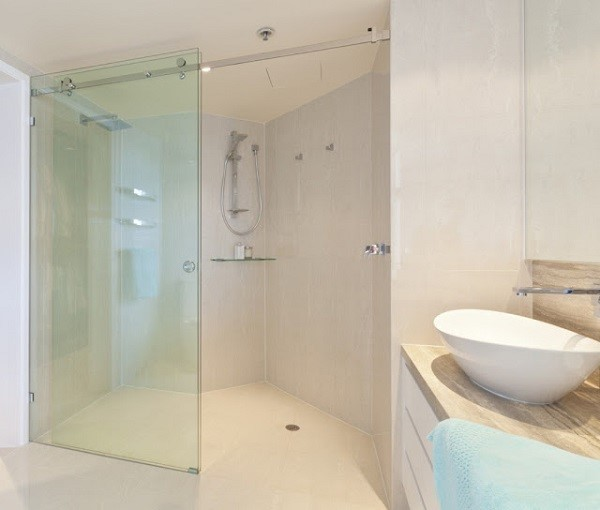 Mẫu cửa kính cường lực nhà tắm