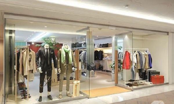 Mẫu cửa kính cường lực cho shop thời trang
