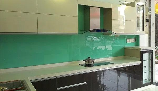 Một tone màu khác của kính ốp bếp xanh ngọc