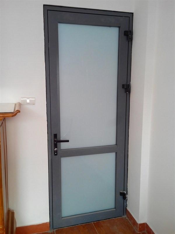 Mẫu cửa nhà vệ sinh nhôm kính việt pháp 4500 màu ghi sáng